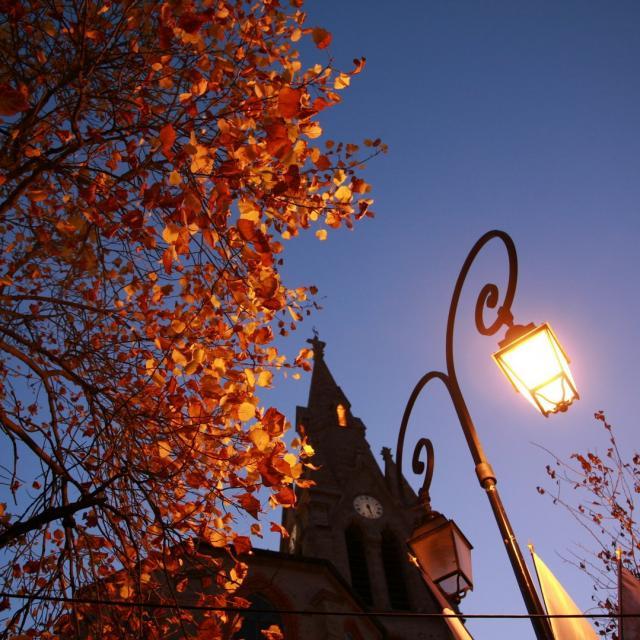 candelabre-eglise-mairie-dallevard-les-bains.jpg